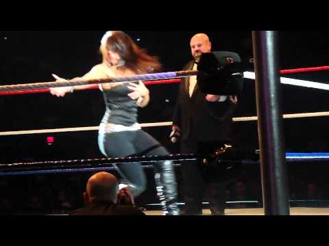 0 Diva Dance Off At WWE Fan Appreciation Day (Includes Funny Crowd Audio)