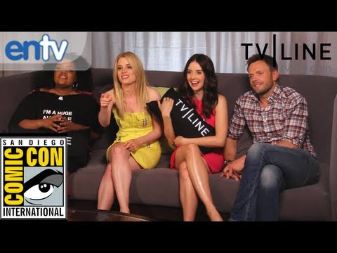 """""""Community,"""" """"Fringe,"""" """"Bones,"""" Interview Funny Outtakes and More at Comic-Con 2012"""