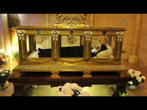 Mystical Visit to the Incorrupt Body of Bernadette Soubirous