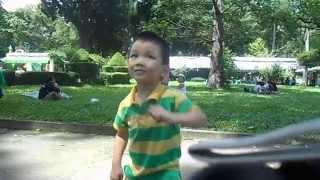 Minh Huy - Đi Chơi Thảo Cầm Viên - Cuối Tuần 26-10-2014