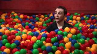 Video The Big Bang Theory Sheldon Bazinga! in ball pit MP3, 3GP, MP4, WEBM, AVI, FLV Desember 2018