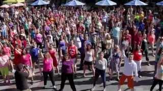 Video The Last Glee Flash Mob! MP3, 3GP, MP4, WEBM, AVI, FLV Agustus 2018