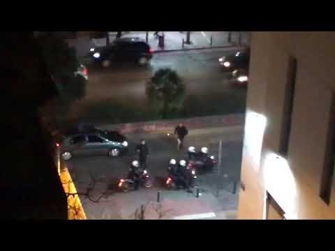 Video - Σοβαρά επεισόδια στην ΑΣΟΕΕ: Πετροπόλεμος, χημικά και κρότου λάμψης (pics)