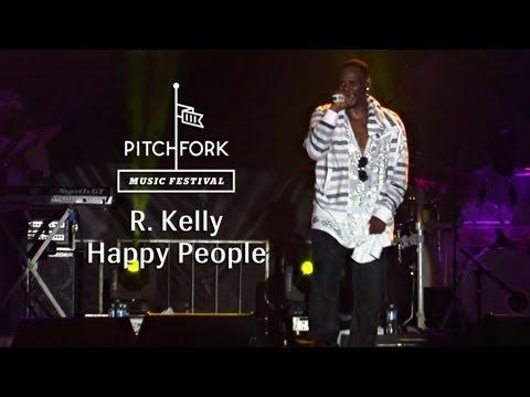 "R. Kelly - ""Happy People"" - Pitchfork Music Festival 2013"