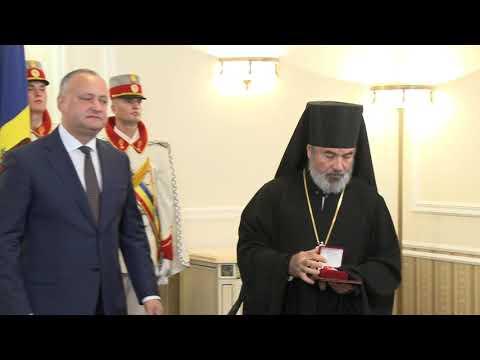 În ziua canonizării lui Ștefan cel Mare, Igor Dodon a înmînat decorații de stat la 16 preoți ai Mitropoliei Moldovei