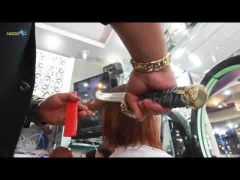 Hồi còn sống tôi cũng hay đi cắt tóc bằng kiếm thế này