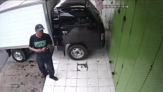 Video Maling Mobil L300 B 9028 UCA 5 Mei 2016 (Share yah bro) MP3, 3GP, MP4, WEBM, AVI, FLV Mei 2018