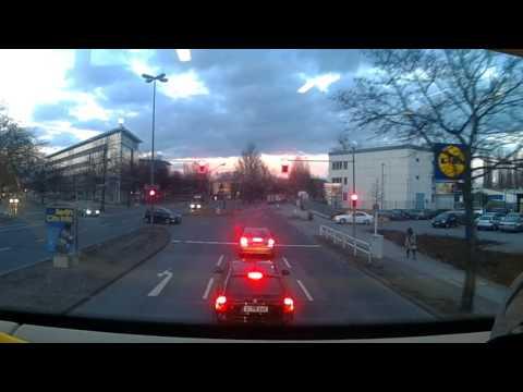 Von Holzhauser str. nach  Rathaus Reinickendorf mit dem X33
