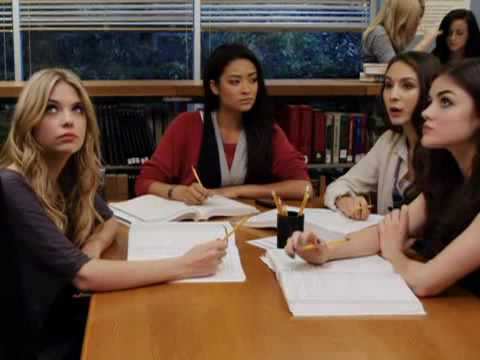 "Pretty Little Liars Episode 9 Clip 4 ""Officer Wilden is on the Case"""