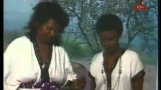 Ethiopian Music  Yodit Worku And Abebech Derara   Saw Befiqer Tammo‏