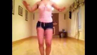 Hermosa Salvadoreña Bailando