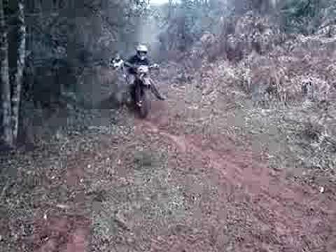 brincando de moto em iomere