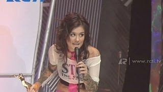 Video Ahmad Dhani dan Agnes Monika 'Cinta Mati' - Artis Pop Duo/Grup Terbaik - AMI 2004 MP3, 3GP, MP4, WEBM, AVI, FLV Maret 2018