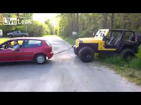 Honda towing lifted jeep gone wrong.
