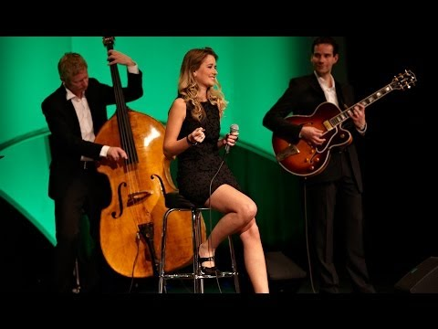 Live Bands - http://www.4attheclub.de Liveband - Jazz Band | 4 at the club Die exklusive Band für Firmenfeier, Messe, Event in Berlin. Die Live Band präsentiert hochkarät...
