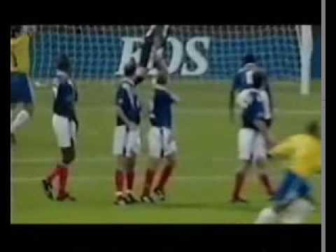 The goalkeepers are left speechless after this plays