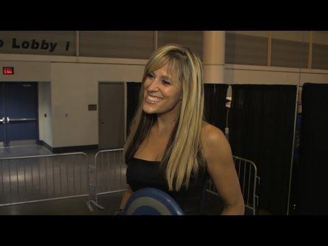 Marvel at WrestleMania XXX: Lillian Garcia (видео)