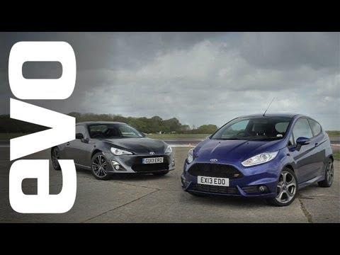 Ford Fiesta ST vs Toyota GT86 | evo TRACK BATTLE