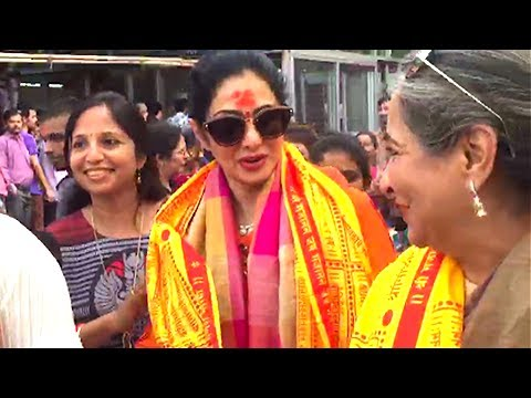 Sridevi Visits Siddhivinayak Temple To Seek Blessi