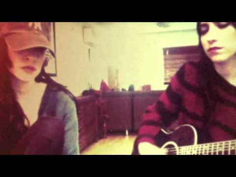 The Veronicas do 'Falling' by Alicia Keys Acoustic