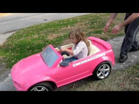 Lolotte et la voiture Rose