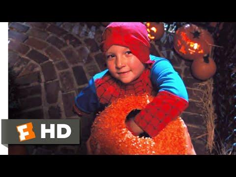 Fun Size (2012) - Your Malicious Neighborhood Spider-Man Scene (1/10) | Movieclips