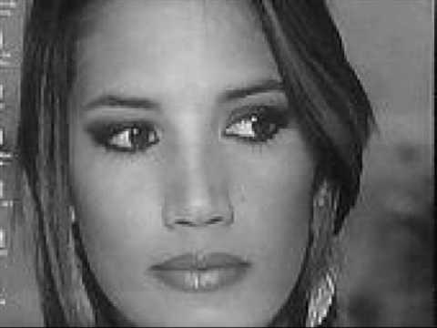 Tekst piosenki India Martínez - Mundo de locos po polsku
