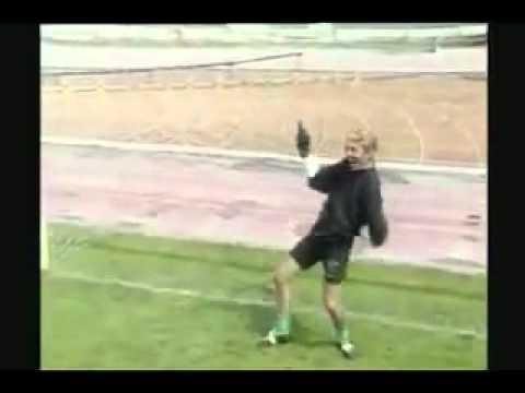 Trận bóng đá có 1 không 2, cười gần chết