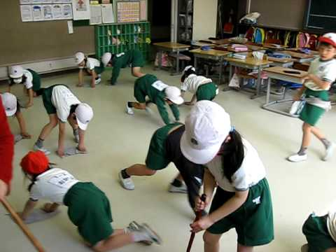 Japanese School Cleaning Time! (видео)