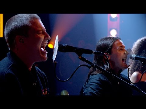 KLIP: JUNGLE - Busy Earnin' (Later... with Jools Holland - BBC Two)
