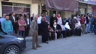 الاعتصام الاسبوعي لأهالي الأسرى أمام مقر الصليب الأحمر
