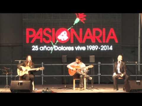 Lucía Sócam y Juan Pinilla en homenaje a Dolores Ibarruri