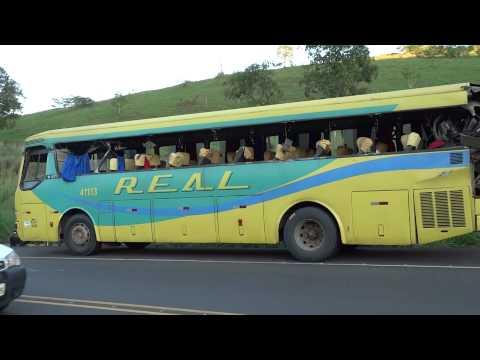 Acidente com ônibus da linha Muriaé-MG/Itaperuna-RJ