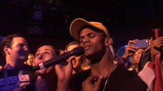 Video Jessie J lets fans sing and sings with her mouth closed @ Troubadour Los Angeles 10/27/17 MP3, 3GP, MP4, WEBM, AVI, FLV Maret 2018