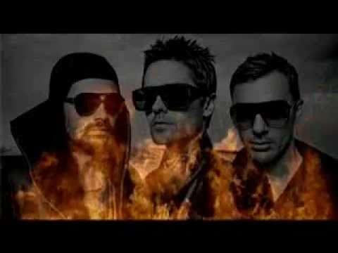 30 Seconds to Mars - Santa Through The Back Door lyrics