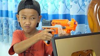 Video NERF GUN GOLD BUTTON YOUTUBE BATTLE MP3, 3GP, MP4, WEBM, AVI, FLV Juni 2019