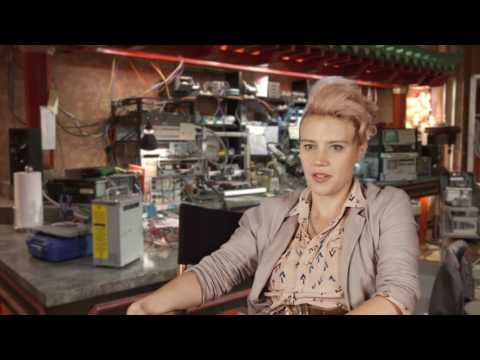 "Ghostbusters (2016): Kate McKinnon ""Jillian Holtzmann"" Behind the Scenes Movie Interview"