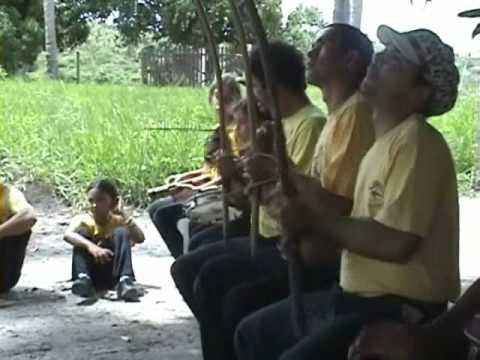 Espírito de Angola - Roda na casa de Alexandre em Piau