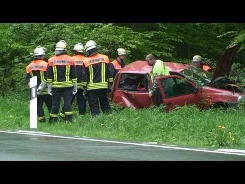 Bei Verkehrsunfall drei Schwerverletzte