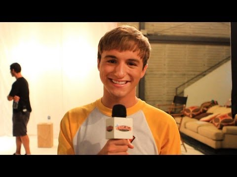 Nick's Marvin Marvin Photo Shoot with Lucas Cruikshank