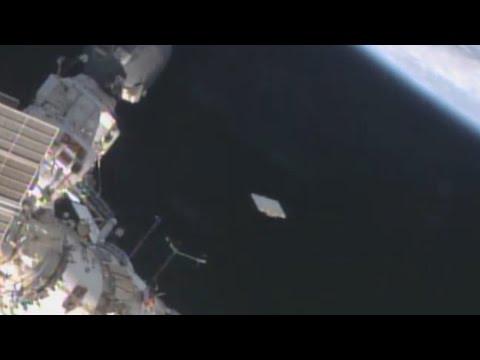 UFO Sightings ET Life Form Visits ISS? NASA Video Baffles Experts! 2014