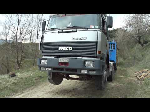 IVECO TURBO STAR 4.20 ( extreme impennata...!!!!!!) by Robertociarelli68:  Camion che s'impenna mentre prova a farsi salire un carico di legna dal peso di 20 t.n.