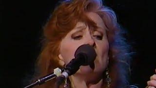 Bonnie Raitt - Angel From Montgomery - 11/6/1993 - Shoreline Amphitheatre (Official)