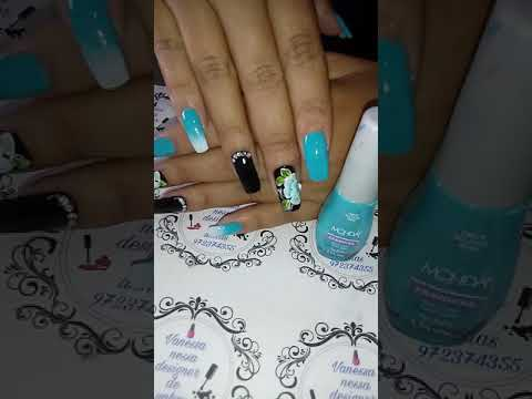 Unhas decoradas azul tiffany