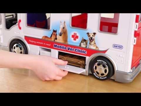Breyer Classics Mobile Vet Clinic