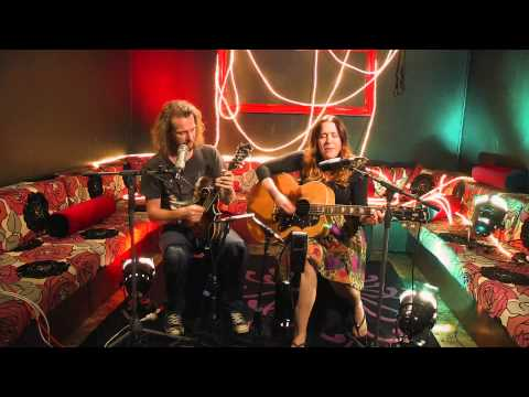 theMusic Session: Catherine Britt - Sally Bones