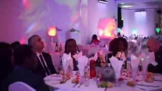 Arrivée des invitées au Gala de Charité à Paris