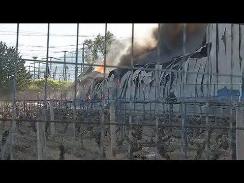 Πυρκαγιά  σε μεγάλη αποθήκη χαρτικών στα Γλυκά Νερά
