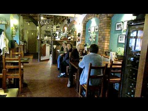 Restaurace a penzion Vzhůru Nohama