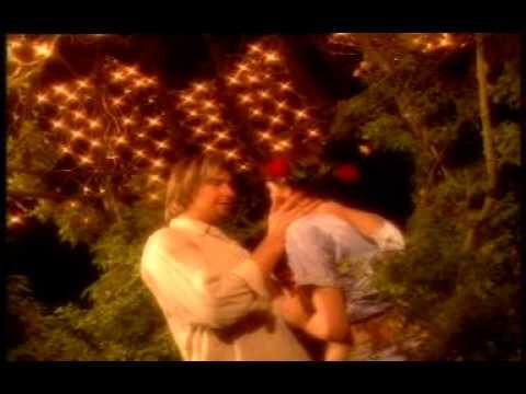 Pieter Smith – Blomme (Oorspronklike musiekvideo)